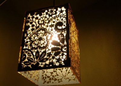 3061da72e72a0f8db1566ecb6efad80b--gold-mirrors-hanging-lamps
